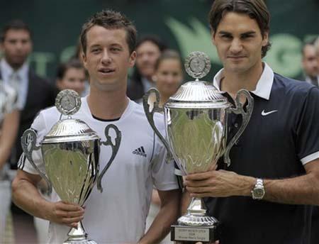 Roger winning Halle