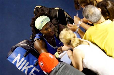 serena-williams-aussieopenbag