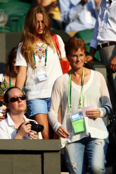 Kim Sears - Wimbledon 2010